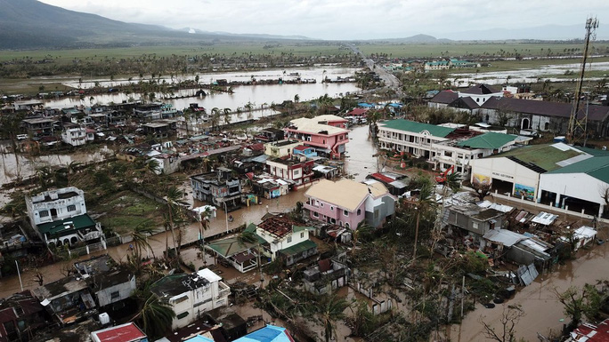 Bão Goni tha Manila, Philippines hứng tiếp cơn bão mới - Ảnh 1.