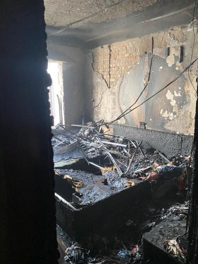 Cháy trên tầng 29 chung cư Goldmark City, hàng trăm người tháo chạy - Ảnh 7.