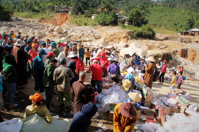 CLIP: Kinh hoàng cảnh tượng tan hoang tại Phước Thành sau 3 tuần cô lập - Ảnh 1.
