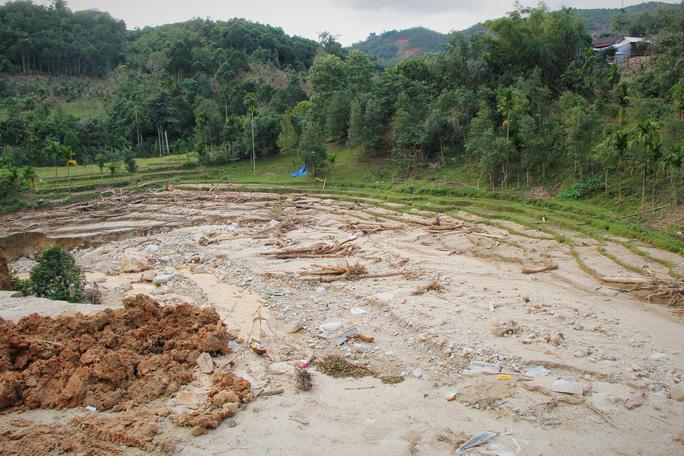 CLIP: Kinh hoàng cảnh tượng tan hoang tại Phước Thành sau 3 tuần cô lập - Ảnh 15.