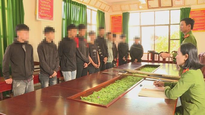 Lập nhóm trên Facebook huy động 30 học sinh, thiếu niên đi hỗn chiến - Ảnh 1.