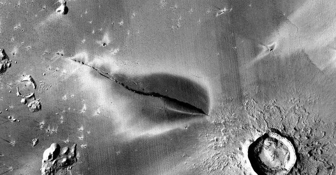 Dấu hiệu sốc: Tàu NASA tìm ra nơi sinh vật ngoài hành tinh trú ẩn? - Ảnh 1.