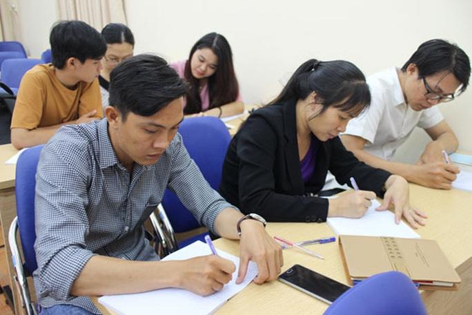 Tạo điều kiện cho công nhân nâng cao trình độ - Ảnh 1.