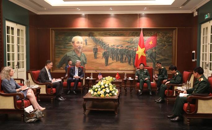 Đại tướng Ngô Xuân Lịch tiếp Cố vấn An ninh quốc gia Mỹ - Ảnh 1.
