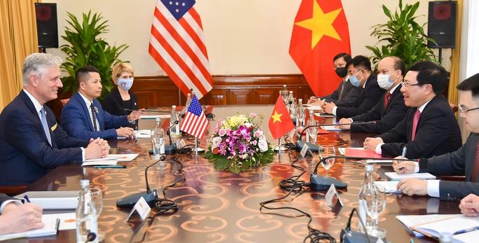 Cố vấn An ninh Mỹ: Ủng hộ Việt Nam vững mạnh, đóng vai trò quan trọng tại khu vực - Ảnh 4.