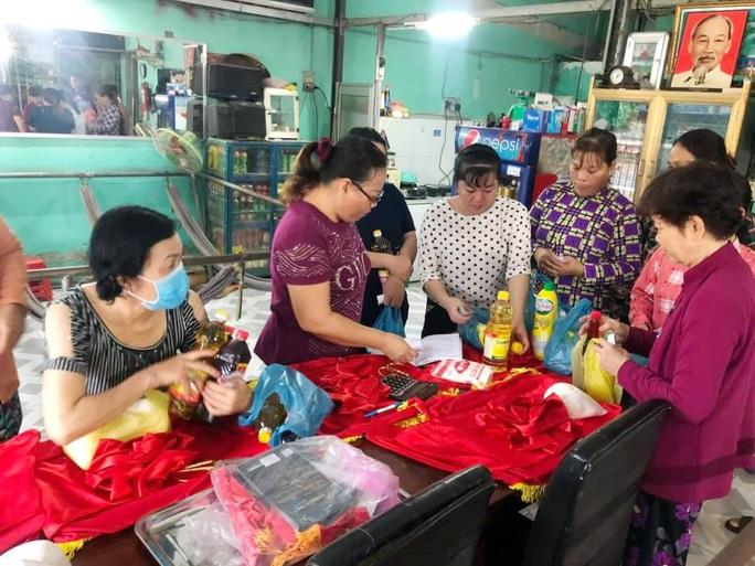 Đưa hàng Việt đến với công nhân khó khăn - Ảnh 1.