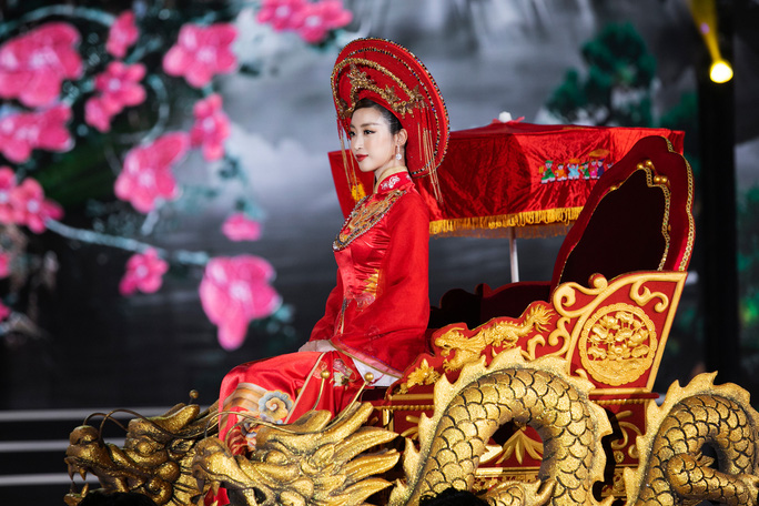 Bí mật của hoa hậu Đỗ Mỹ Linh khi hóa thân thành Thánh Mẫu - Ảnh 3.