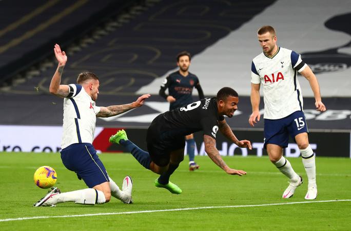 Son Heung-min lập công, Tottenham hạ Man City, lên đỉnh bảng Ngoại hạng Anh - Ảnh 2.