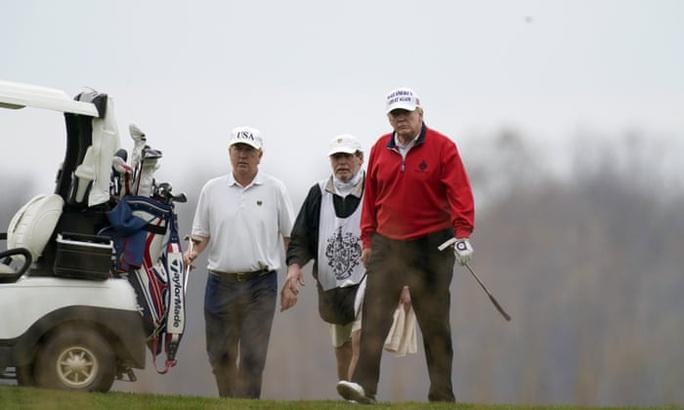 Hội nghị thượng đỉnh G20 đang diễn ra, Tổng thống Trump bỏ đi chơi golf - Ảnh 1.