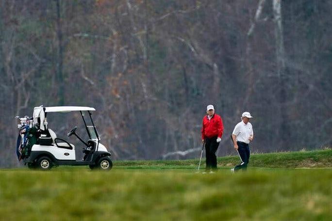 Hội nghị thượng đỉnh G20 đang diễn ra, Tổng thống Trump bỏ đi chơi golf - Ảnh 2.