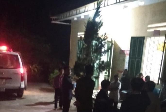 Bàng hoàng phát hiện 2 mẹ con cô giáo tử vong tại nhà công vụ - Ảnh 1.