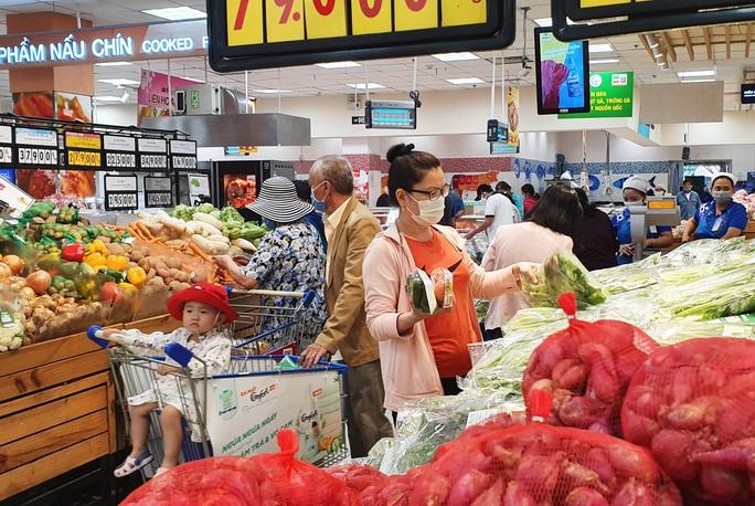 Cử tri TP HCM mong chính quyền kiểm soát chặt hơn nữa an toàn thực phẩm Tết - Ảnh 1.