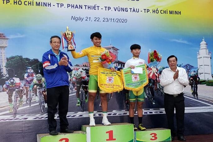 Nguyễn Huỳnh Đăng Khoa đoạt cúp đúp giải xe đạp Nam Kỳ Khởi Nghĩa - Cúp VOH 2020 - Ảnh 2.