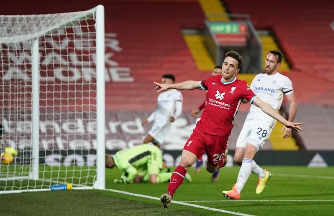 Mưa bàn thắng đánh đầu, Liverpool trở lại ngôi nhì Ngoại hạng Anh - Ảnh 4.