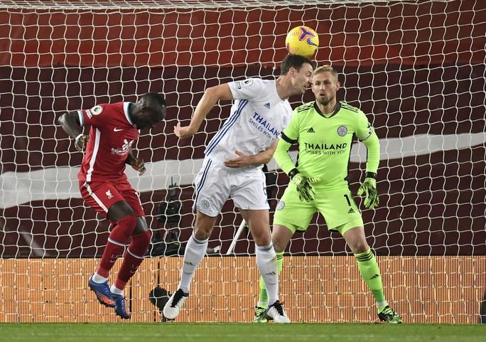 Mưa bàn thắng đánh đầu, Liverpool trở lại ngôi nhì Ngoại hạng Anh - Ảnh 3.