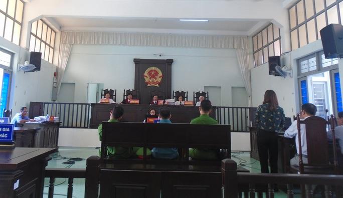 Đình chỉ chức vụ Phó Giám đốc Bệnh viện Đa khoa Bình Thuận do liên quan vụ án tham ô hơn 5 tỉ đồng - Ảnh 2.