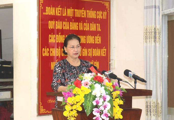 Chủ tịch Quốc hội Nguyễn Thị Kim Ngân tiếp xúc cử tri tại Cần Thơ - Ảnh 1.