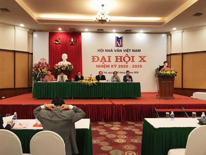 Nhà thơ Hữu Thỉnh xin rút khỏi ban chấp hành Hội Nhà văn Việt Nam khoá mới - Ảnh 1.