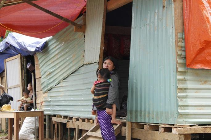 Xót xa cuộc sống tại Trà Vân gần 1 tháng sau trận sạt lở kinh hoàng - Ảnh 11.