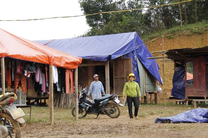 Xót xa cuộc sống tại Trà Vân gần 1 tháng sau trận sạt lở kinh hoàng - Ảnh 10.
