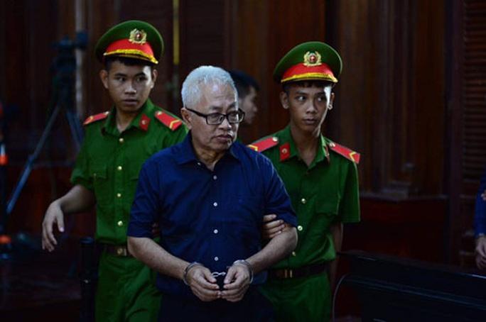 Xét xử đại án DAB giai đoạn 2: Bị cáo Trần Phương Bình xin lỗi cấp dưới - Ảnh 1.