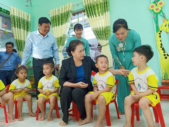 Chủ tịch QH Nguyễn Thị Kim Ngân thăm Trường Mẫu giáo Sơn Ca - Ảnh 1.
