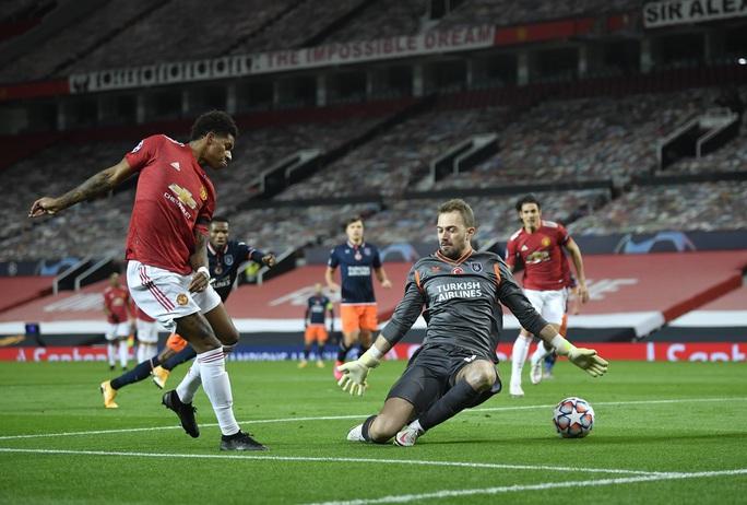 Bruno Fernandes lập siêu phẩm, Man United đại thắng tại Old Trafford - Ảnh 4.