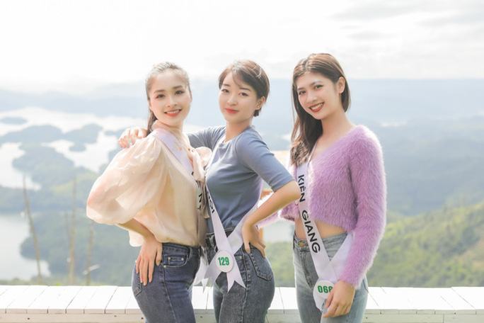 Dàn ứng viên Hoa khôi Du lịch VN 2020 bị chê kém sắc, eo to - Ảnh 2.