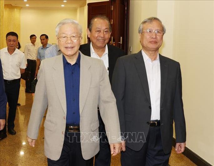 Tổng Bí thư, Chủ tịch nước chủ trì họp về phòng, chống tham nhũng: Khẩn trương điều tra, xử lý vụ Nhật Cường - Ảnh 3.