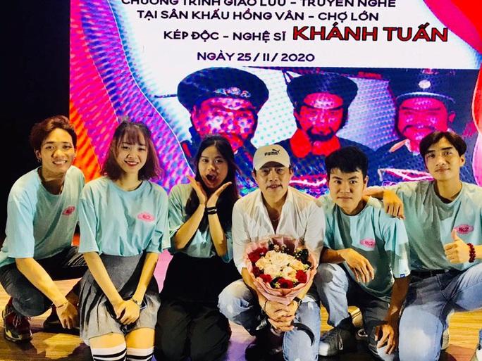 Kép độc Khánh Tuấn truyền nghề cho diễn viên trẻ - Ảnh 1.