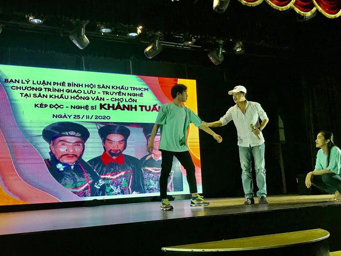 Kép độc Khánh Tuấn truyền nghề cho diễn viên trẻ - Ảnh 3.
