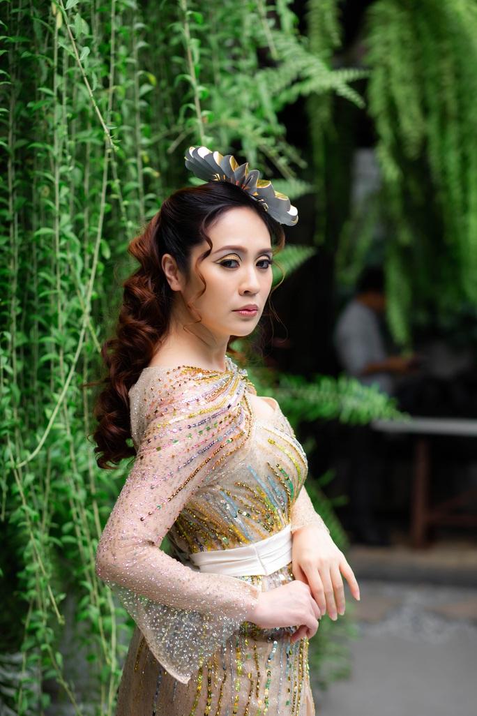 Diễn viên Thanh Thúy khoe vẻ đẹp  gợi cảm - Ảnh 3.