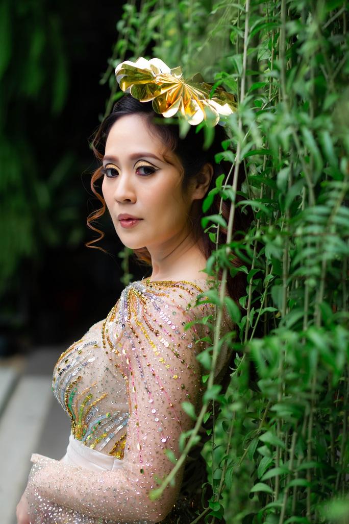 Diễn viên Thanh Thúy khoe vẻ đẹp  gợi cảm - Ảnh 2.