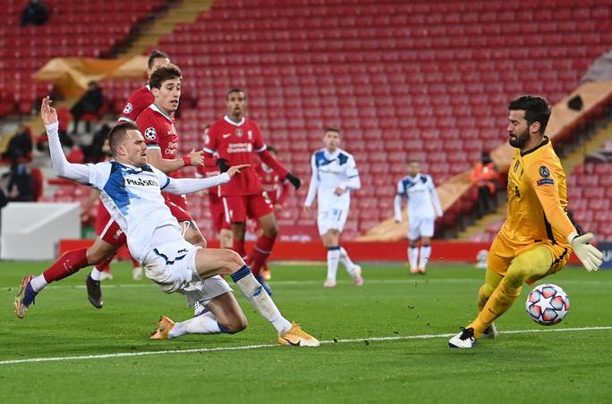 Ghi 2 bàn trong 3 phút, Atalanta thắng sốc Liverpool ở Anfield - Ảnh 3.