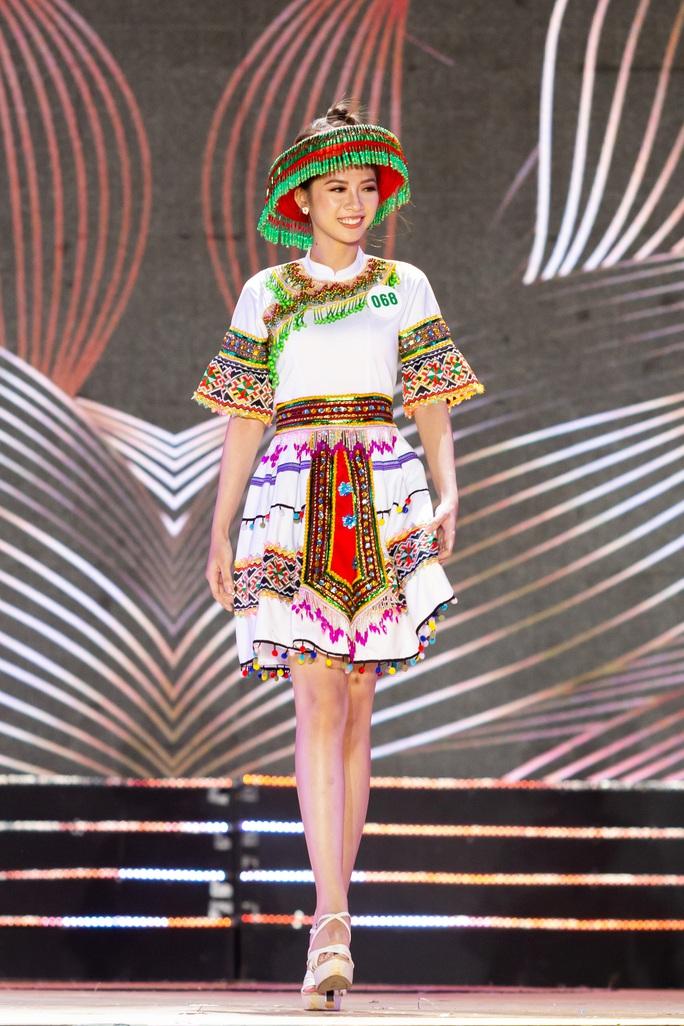 Lạ mắt với trang phục dân tộc của thí sinh Hoa khôi du lịch Việt Nam 2020 - Ảnh 18.