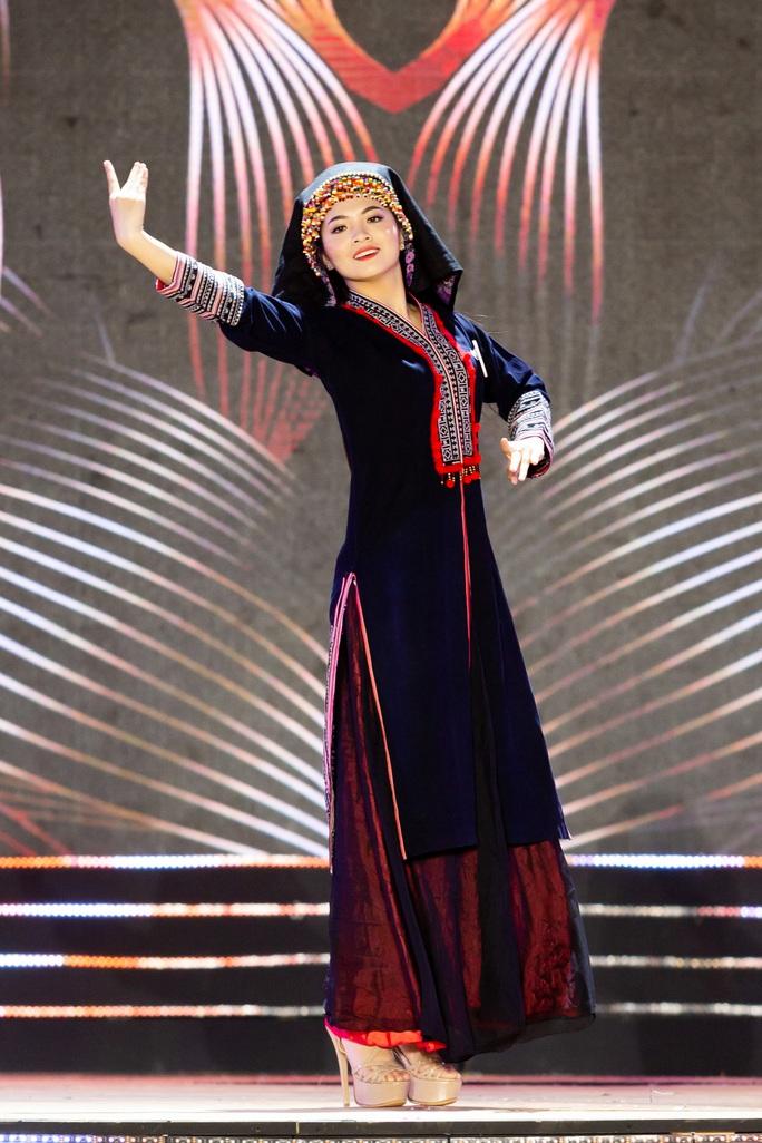 Lạ mắt với trang phục dân tộc của thí sinh Hoa khôi du lịch Việt Nam 2020 - Ảnh 14.