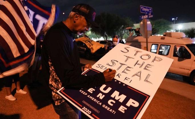 Bầu cử Mỹ: Phe Tổng thống Donald Trump nhận tin vui - Ảnh 2.