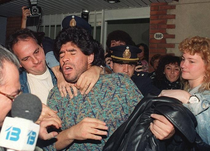 Cuộc đời Diego Armando Maradona qua những tấm ảnh để đời (1960-2020) - Ảnh 14.