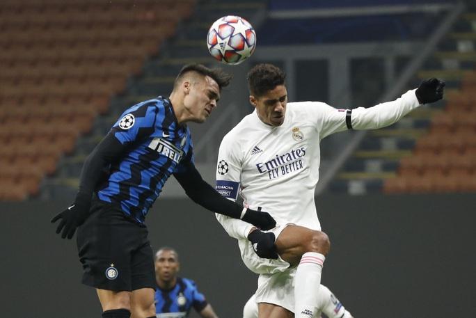 Thẻ đỏ tai hại, Inter Milan trắng tay trước Real Madrid trên sân nhà - Ảnh 2.