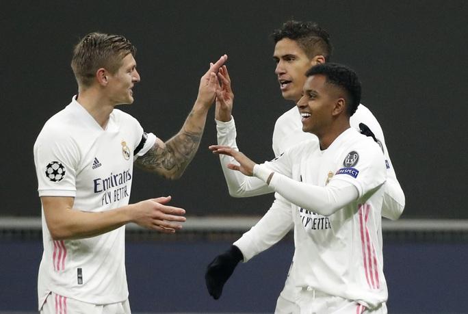 Thẻ đỏ tai hại, Inter Milan trắng tay trước Real Madrid trên sân nhà - Ảnh 7.