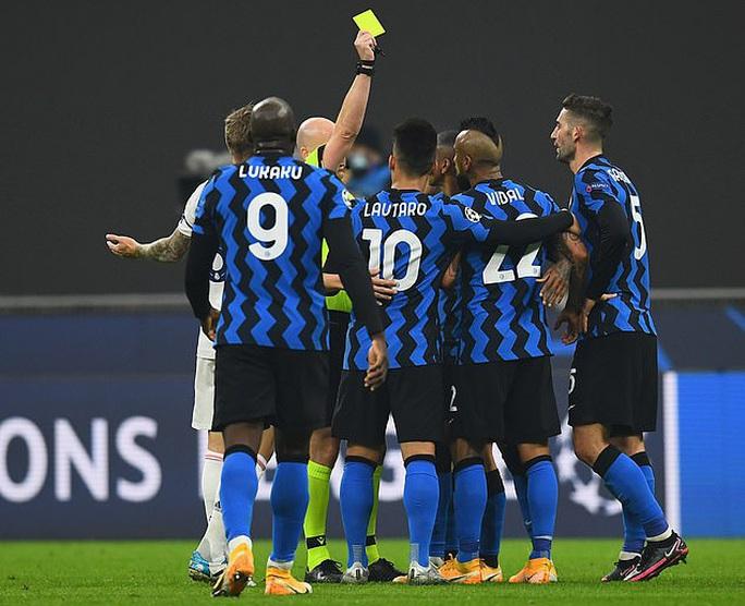 Thẻ đỏ tai hại, Inter Milan trắng tay trước Real Madrid trên sân nhà - Ảnh 5.