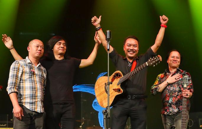 Phạm Anh Khoa gia nhập ban nhạc Bức Tường thay thế giọng ca Trần Lập - Ảnh 4.