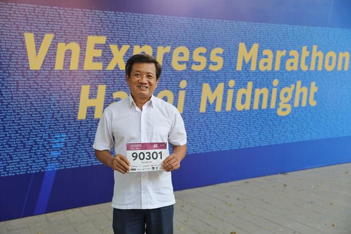 Đang chấn thương, ông Đoàn Ngọc Hải tham gia giải chạy Marathon thứ 7 trong 2 tháng - Ảnh 1.