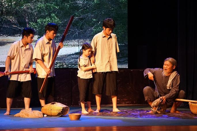 Nhà hát Kịch TP HCM đưa công nghệ 4.0 vào vở mới - Ảnh 7.