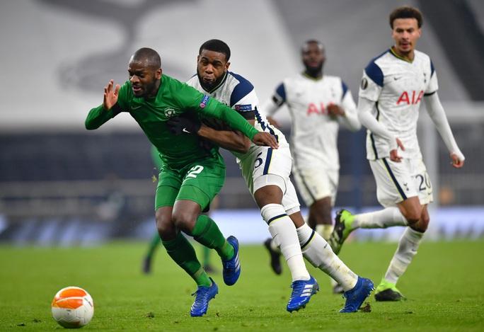 Harry Winks lập siêu phẩm, Tottenham chờ vượt vòng bảng Europa League - Ảnh 1.