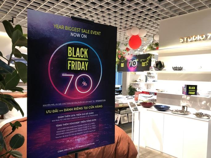 Đổ xô mua sắm dịp Black Friday - Ảnh 11.