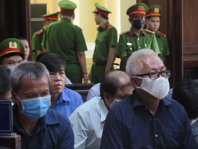 Đại án Ngân hàng Đông Á: Ông Trần Phương Bình lãnh án chung thân - Ảnh 1.