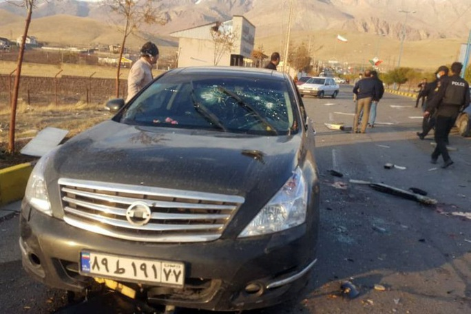 Nhà khoa học hạt nhân hàng đầu Iran bị ám sát gần Tehran - Ảnh 1.