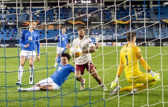 Arsenal phá ải Molde, bóng đá Anh đại thắng Europa League - Ảnh 3.