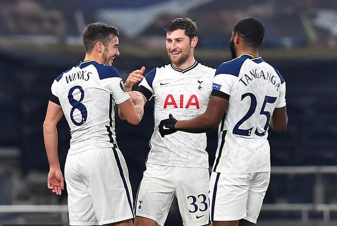 Harry Winks lập siêu phẩm, Tottenham chờ vượt vòng bảng Europa League - Ảnh 4.